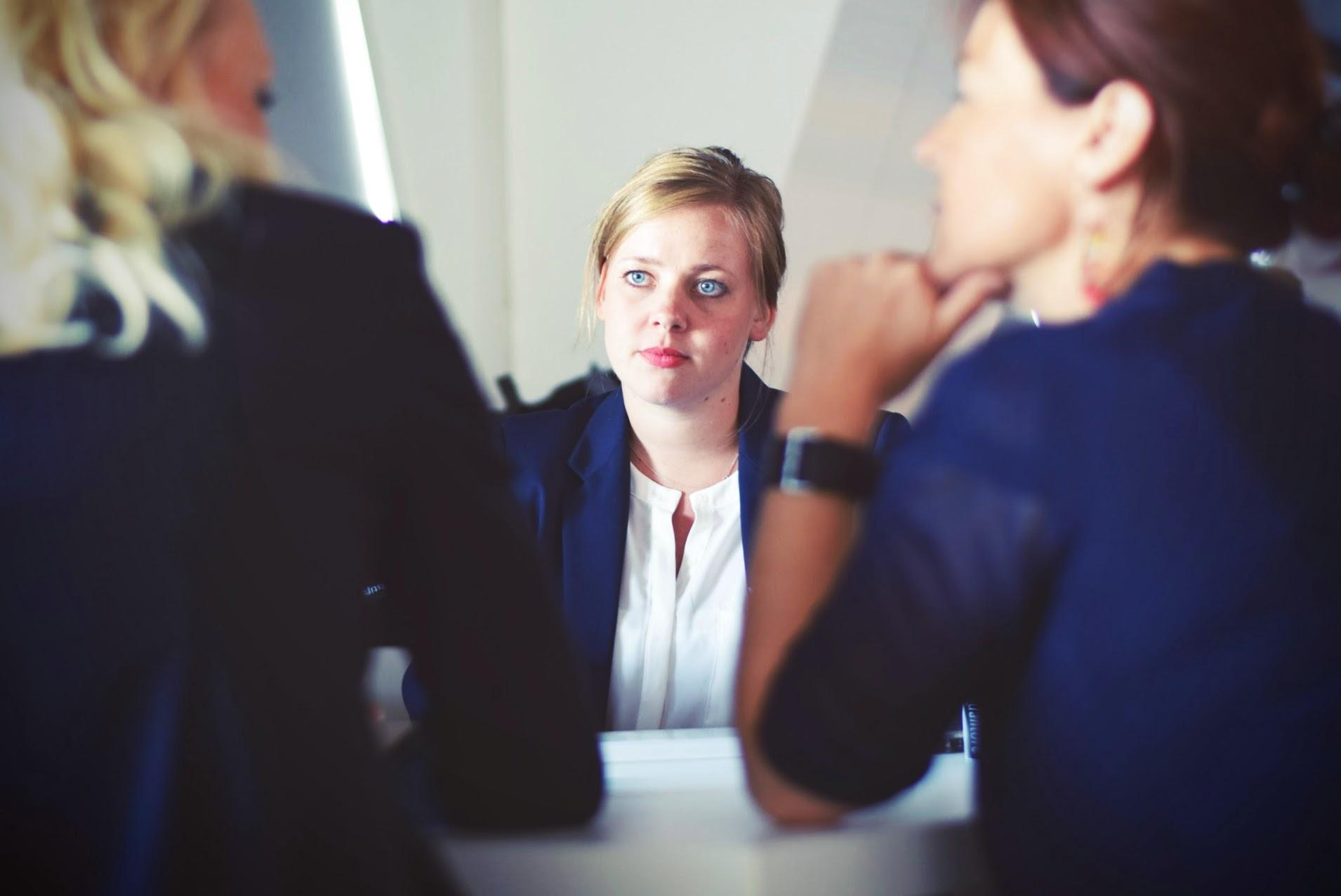 women-in-meeting